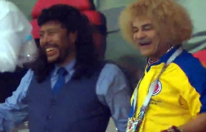 El 'Pibe' Valderrama e Higuita celebran la victoria de Colombia con un fraternal abrazo