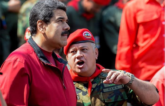 Maduro pide a militares venezolanos cerrar filas contra la 'traición'