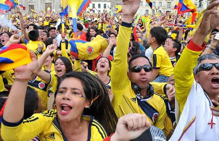 Hinchas colombianos celebran triunfo de mala manera. Foto: AFP