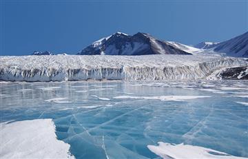 Detectan calor volcánico bajo un glaciar de la Antártida