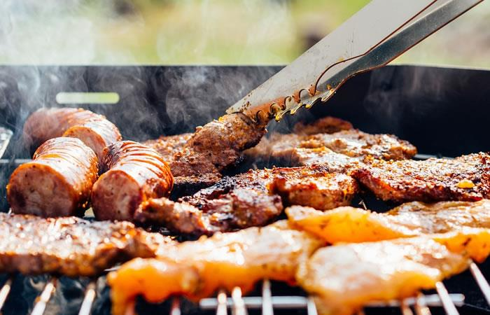 Colombianos amantes de la carne y el vino de Buenos Aires