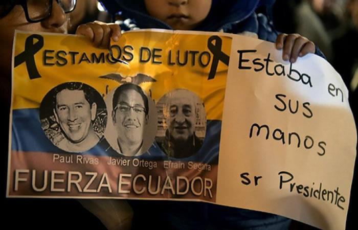 Cuerpos de periodistas ecuatorianos fueron repatriados. Foto: AFP
