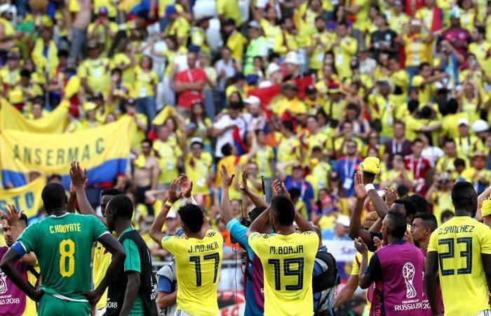 Hinchas colombianos se lucieron en el partido ante Senegal. Foto: EFE