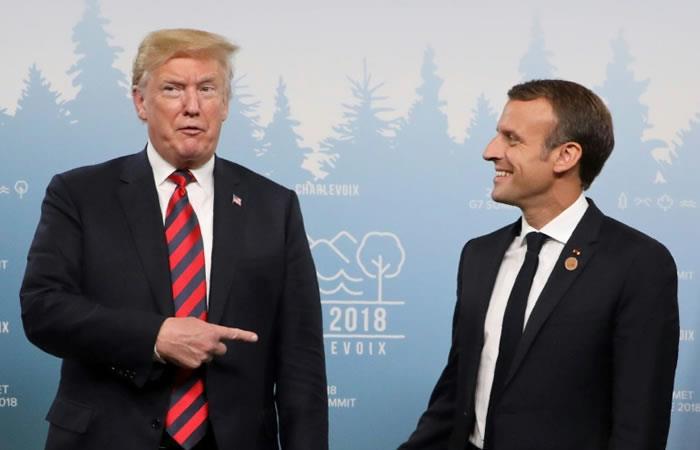 El presidente de Estados Unidos, Donald Trump, bromea con su homólogo francés, Emmanuel Macron, el 8 de junio de 2018 en La Malbaie, Canadá. Foto: AFP