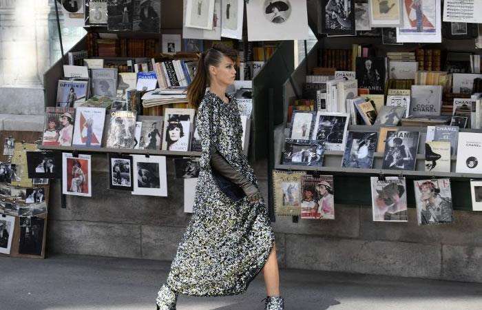 Chanel abre las costuras. Foto: AFP