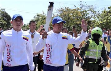 Carlos Bacca recibió la llama Centroamericana en Puerto Colombia