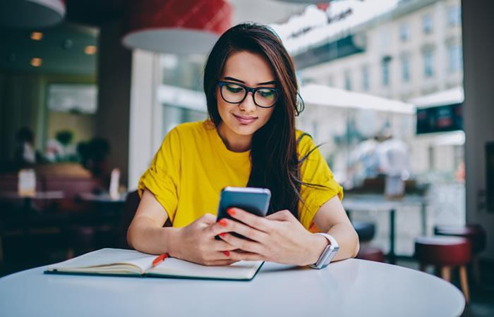 Test de Motorola determina el balance entre la vida personal y el uso del celular. Foto: Shutterstock