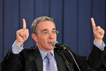 Finca de Uribe fue supuesta base de grupo paramilitar, dice investigación