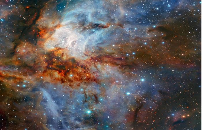 Astrónomos captan una imagen detallada del cúmulo estelar RCW 38