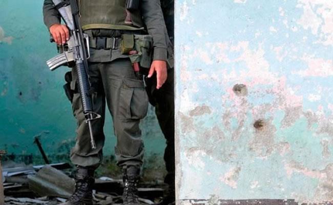 Ofrecen recompensa por responsables de asesinatos de tres agentes colombianos