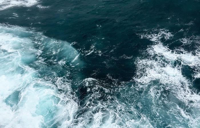 Golfo de Urabá: Traficantes de personas arrojan a 62 migrantes