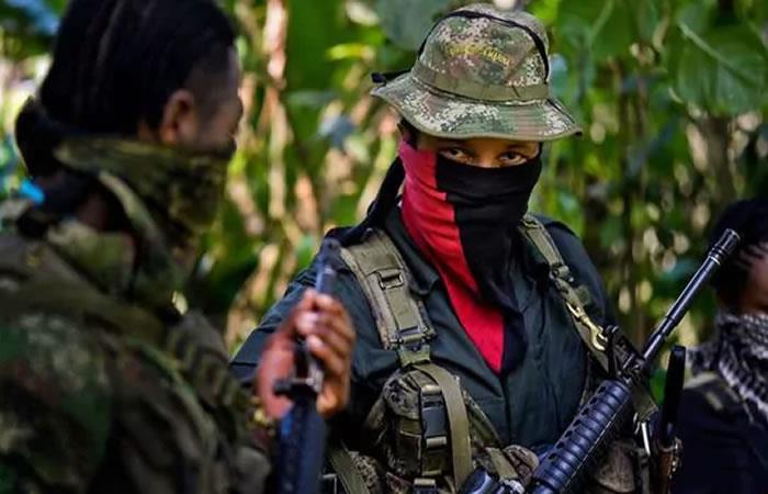 Guerrilleros del ELN queman tractocamión cerca a Buenaventura