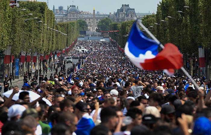 Francia recibe la Copa del Mundo. Foto: AFP