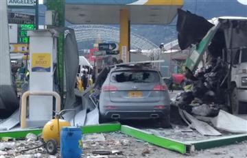 Un camión de basura explota en estación de gasolina en Chía