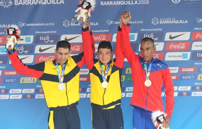 Colombia logra su primer Oro con Rodrigo Contreras. Foto: EFE.