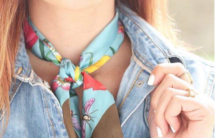 Cinco forma de usar pañuelos en el cuello con estilo