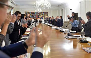 Conmovedora despedida de Santos durante el último Consejo de Ministros
