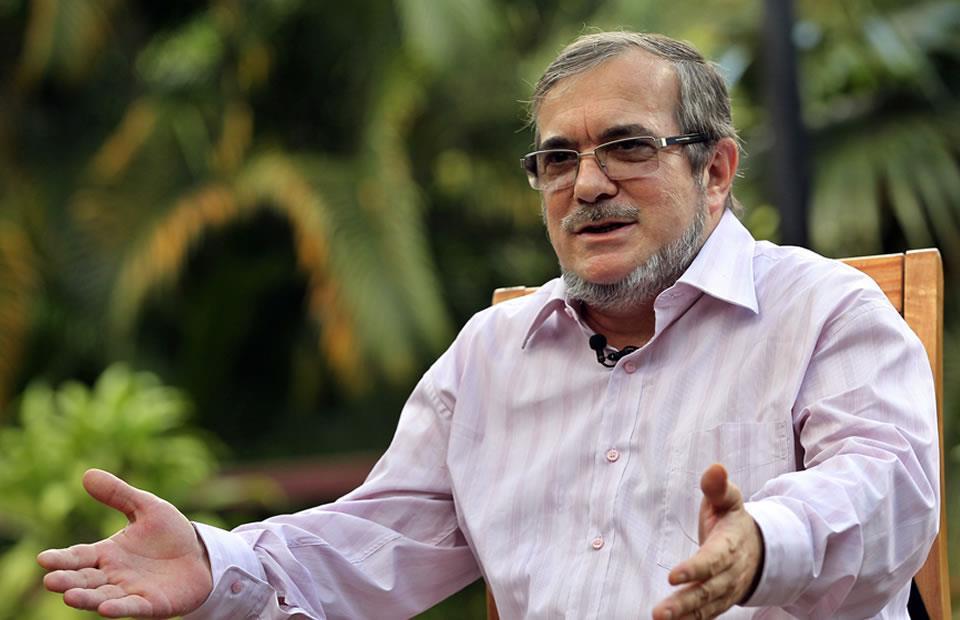 Timochenko pide garantías para Álvaro Uribe