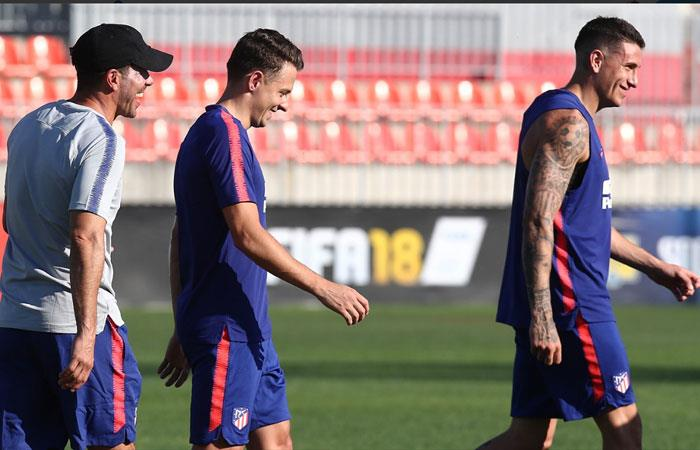 Así fue el primer día de Santiago Arias con Atlético de Madrid