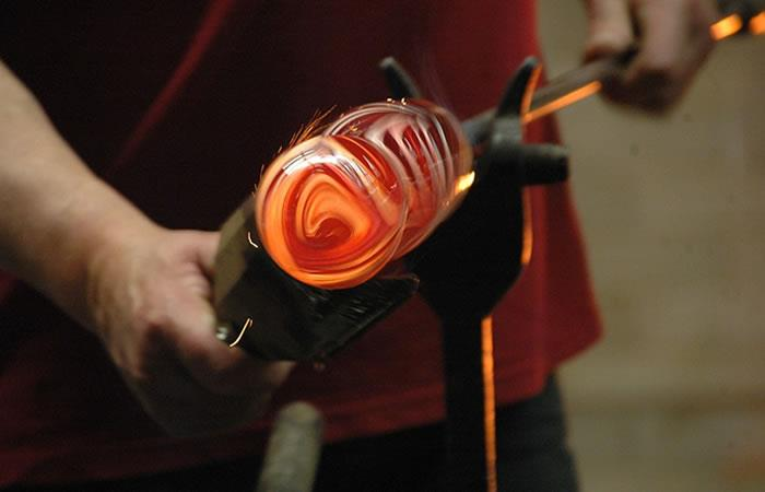 El color naranja toma fuerza en la economía mundial pero, ¿cómo entenderla?