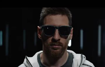 Leo Messi vuelve y juega a la moda con Hawkers