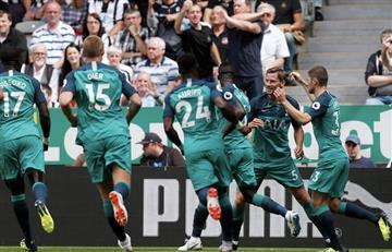Con pase de Dávinson Sánchez, el Tottenham gana