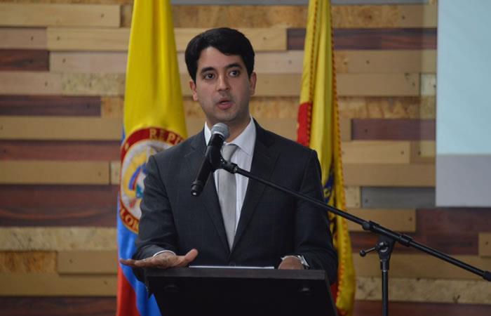 Senadora cuestiona nombramiento del viceministro de Vivienda