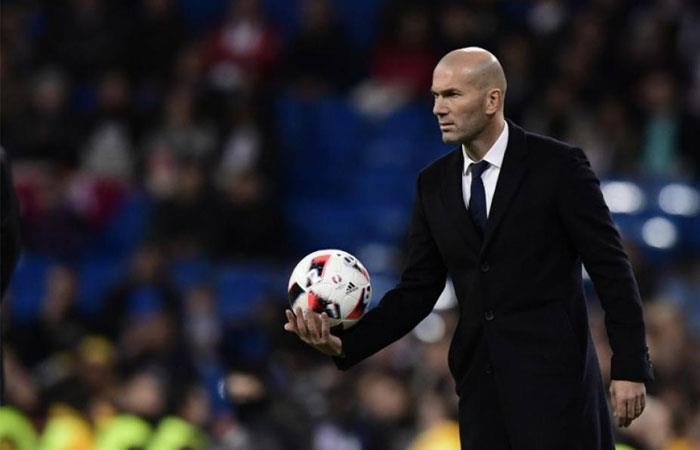 ¿Zinedine Zidane dirigirá en la Premier League?
