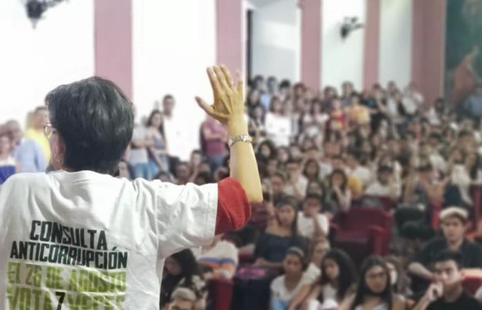 Consulta anticorrupción: ¿Fin de la contratación a dedo?