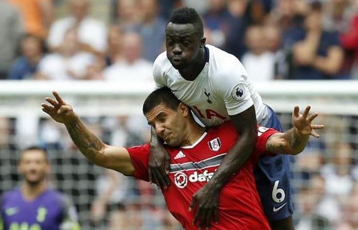 Tottenham, con Davinson Sánchez le ganó al Fulham y se coloca líder de la Premier