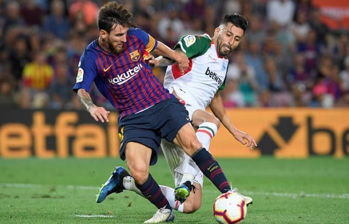 El Barcelona arranca con victoria ante el Alavés y doblete de Messi