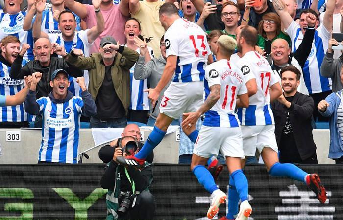 El Brighton sin José Izquierdo, sonrojó al Manchester United