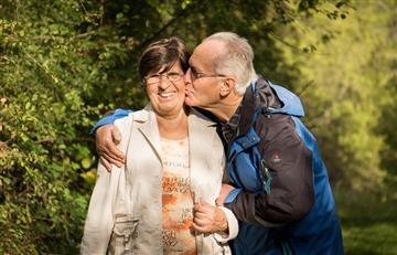 Mes del adulto mayor: Envejecer bien, prioridad para las familias colombianas