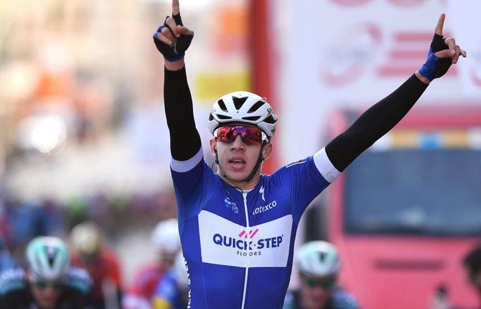 Álvaro Hodeg gana la primera etapa de la Vuelta a Alemania. Foto: twitter oficial @quickstepteam