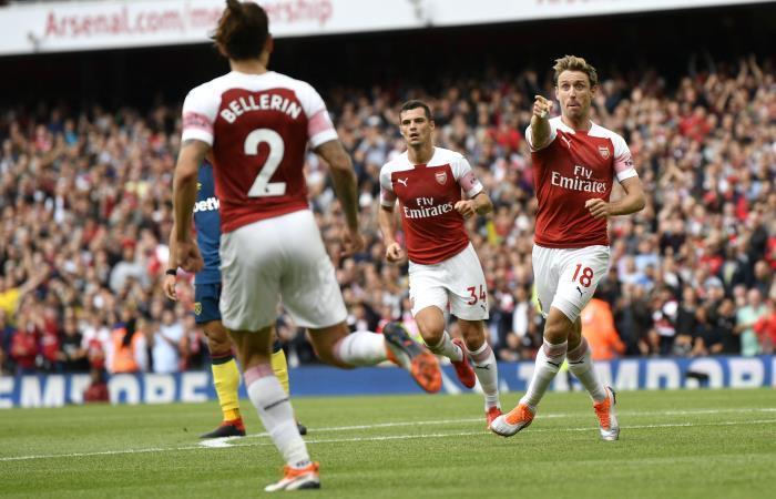 Arsenal logró su primera victoria en la Liga Premier. Foto: EFE