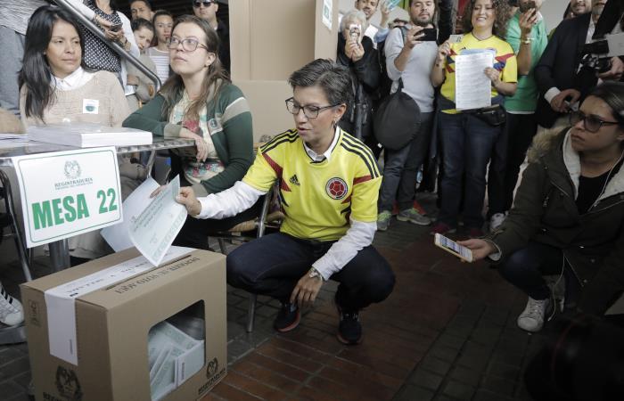 Claudia López cumplió la cita con la democracia. Foto: AFP