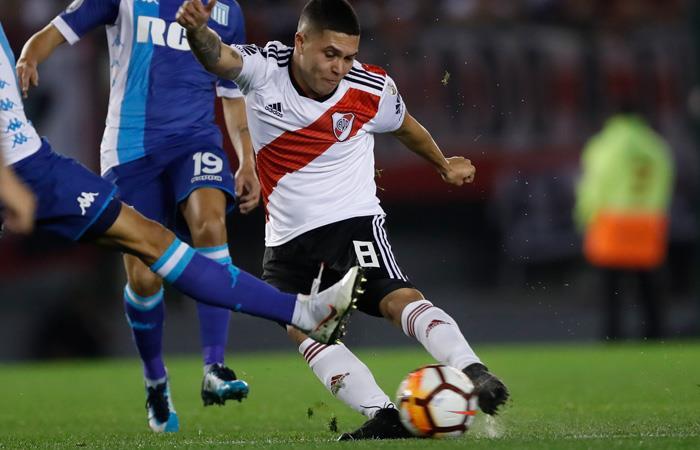 Juan Fernando Quintero anota un golazo en empate ante San Lorenzo