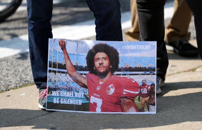 Símbolo de protestas antirracistas de la NFL es imagen de Nike en Estados Unidos