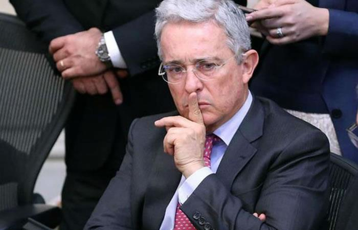 Niegan de forma definitiva la recusación del Senador Uribe. Foto: EFE