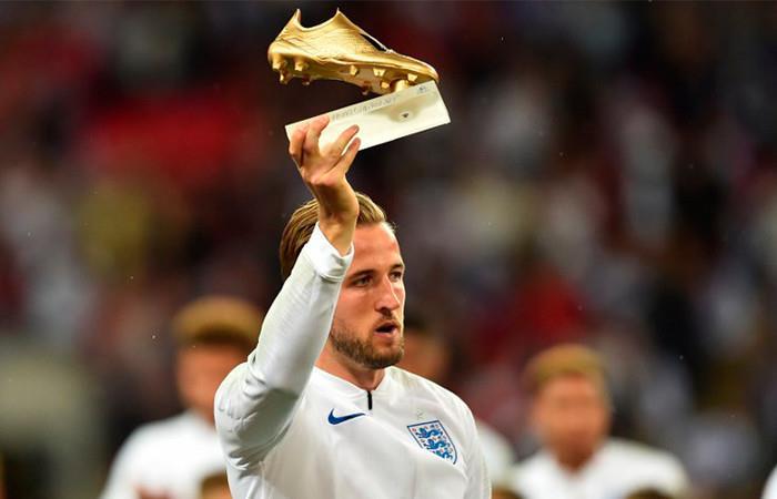 Kane recibe la bota de oro del Mundial antes de enfrentarse a España