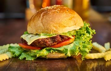 Los hot dogs y las hamburguesas son los platos más pedidos en Colombia