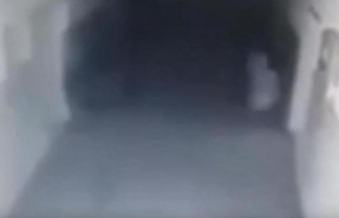 YouTube: Espectro paranormal causa confusión en una comisaría