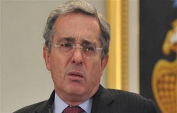 'El Tiempo' se disculpa por publicar el número telefónico de Uribe
