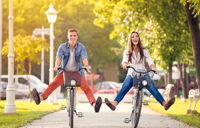 Beneficios de montar bicicleta en pareja