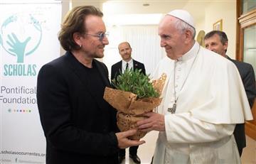 El papa Francisco y Bono hablaron de un tema fuerte en el Vaticano