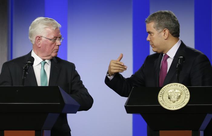 Duque afirma que Colombia no caerá en