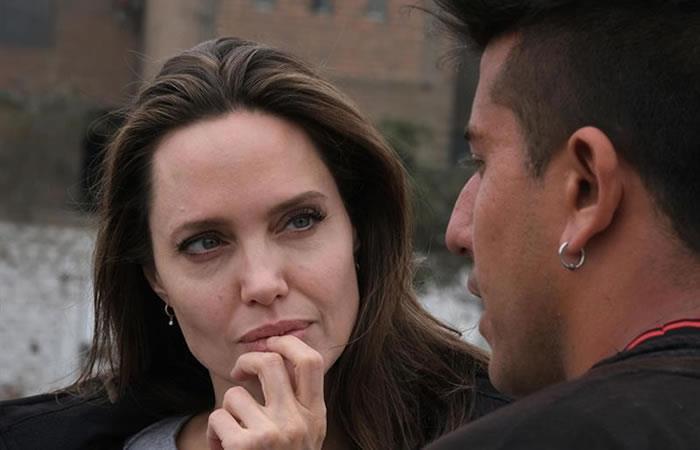Angelina Jolie conmovida por