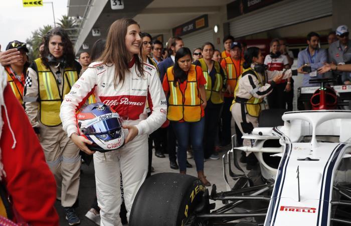 [FOTOS] Así manejó Tatiana Calderón su carro de Fórmula Uno en México
