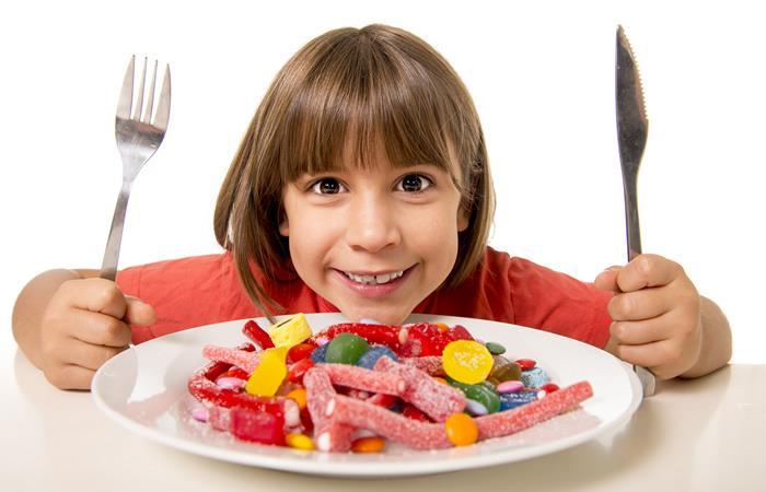 Que los dulces no afecten la alimentación de sus hijos. Foto: Shutterstock