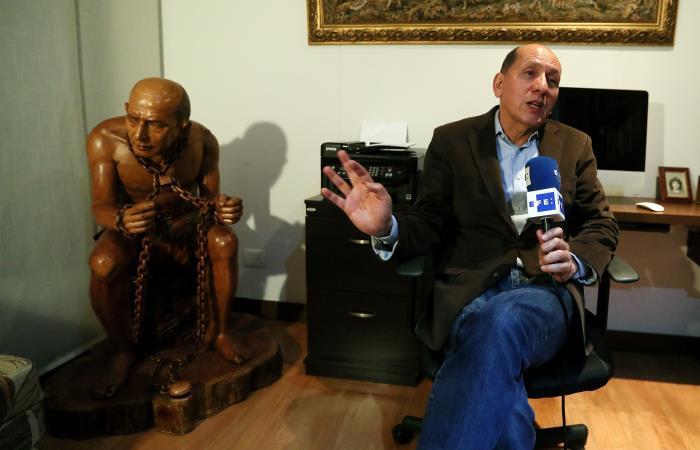 El general en retiro de la Policía, Luis Mendieta durante una entrevista para Efe. Foto: EFE.